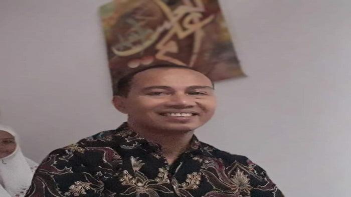 Dr Mahmuzar MHum
