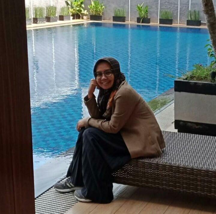 Lina Shopy Mom Blogger
