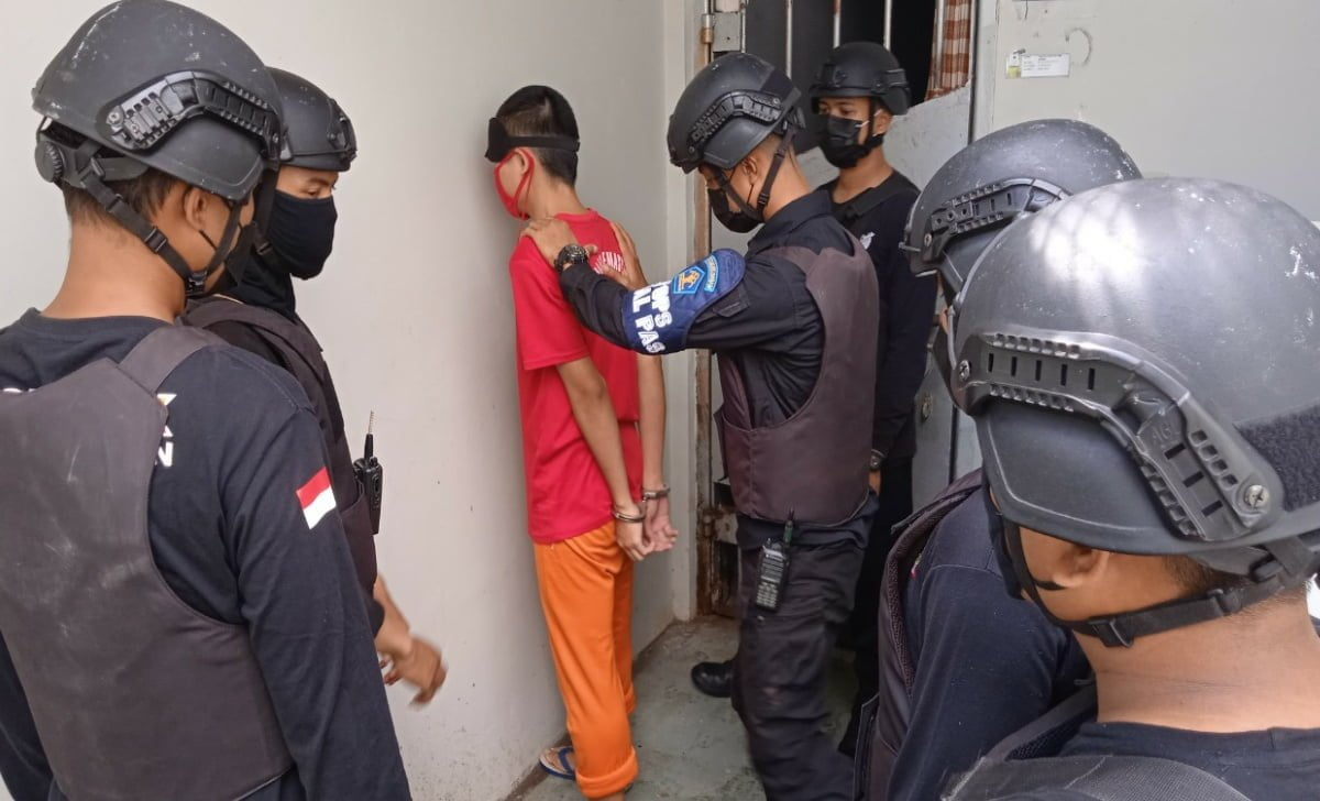 Penggeledahan Kamar Hunian WPB