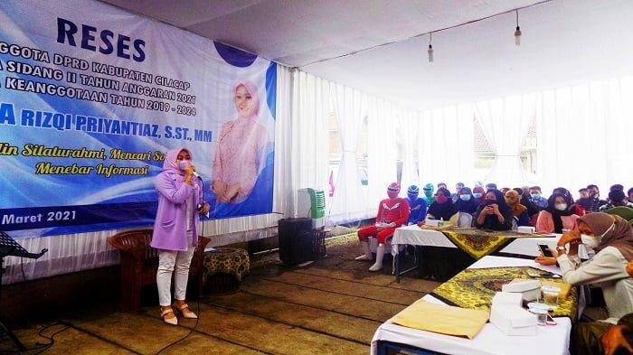 Reses Amelia Rizqi Anggota DPRD Cilacap