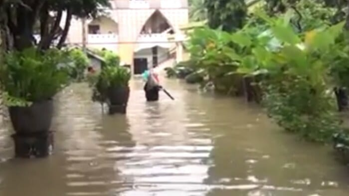 banjir di al kahfi somalangu kebumen