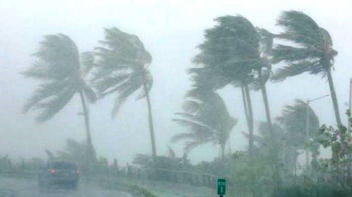 ilustrasi angin kencang dan cuaca ekstrem