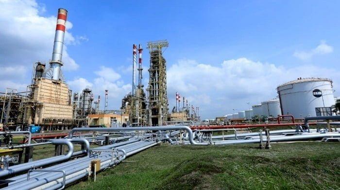ilustrasi kilang pertamina cilacap jawa tengah